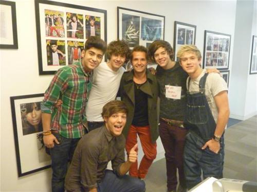 "One Direction (X Factor UK) >> album ""Up All Night"" [IV] Tumblr_lugudsHL8B1r0uczl"