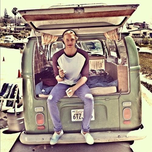 Cody Simpson. - Page 40 Tumblr_m871l3vRy71r96jw7