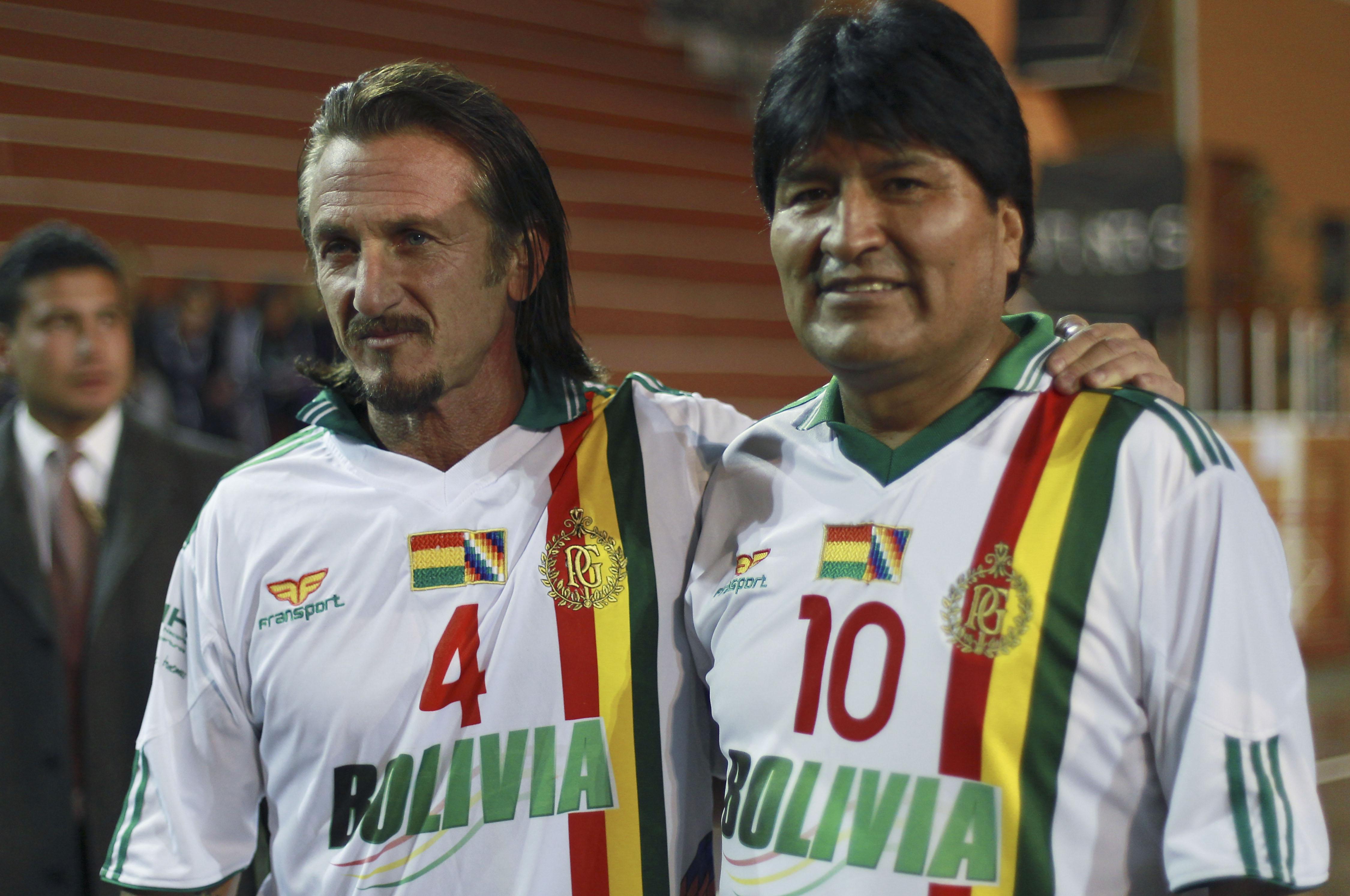 ¿Cuánto mide Evo Morales? - Altura - Real height Bolivia-sean-penn_lea