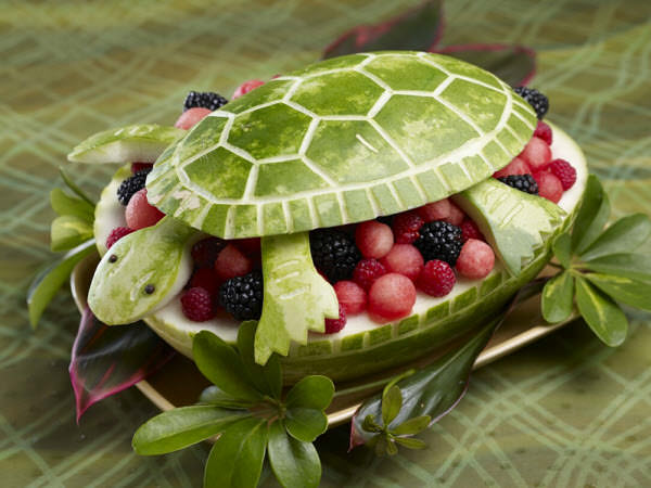 பழங்களில் அழகிய விலங்கு உருவங்கள்  Watermelon-turtle