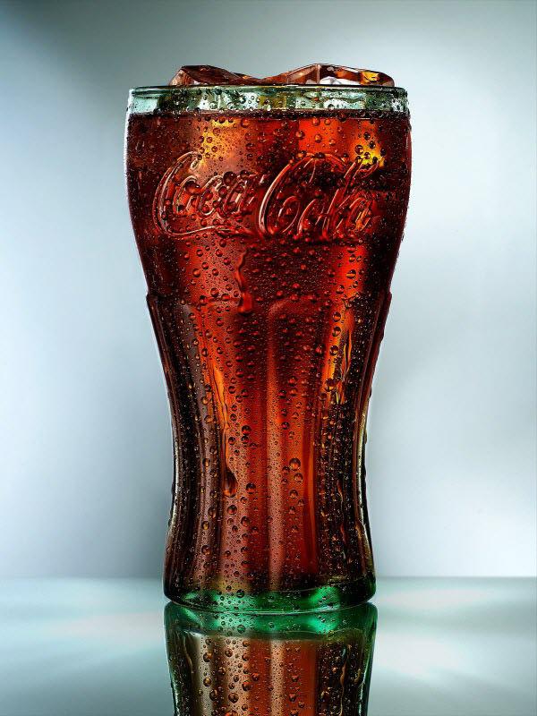 தண்ணீரை திறமையாக கையாண்டு எடுக்கப்பட்ட வியக்கத்தக்க காட்சிகள்  Coca-cola