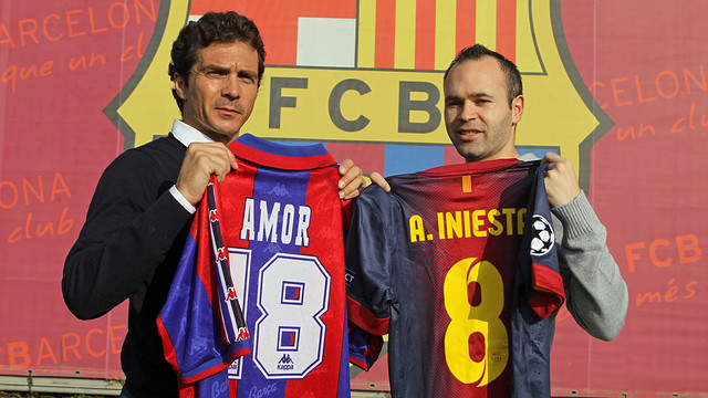 ¿Cuánto mide Guillermo Amor? 2012-11-24_INIESTA_AMOR_24.v1353763464