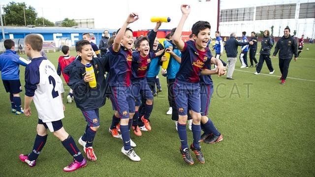 بالصور صغار برشلونة  أبطال الليغا  ( ماذا تصنع اللاماسيا )  2013-05-18_UE_SANT_ILDEFONS_ALEVIN_A_-_FCB_ALEVIN_A_004-Optimized.v1368897764