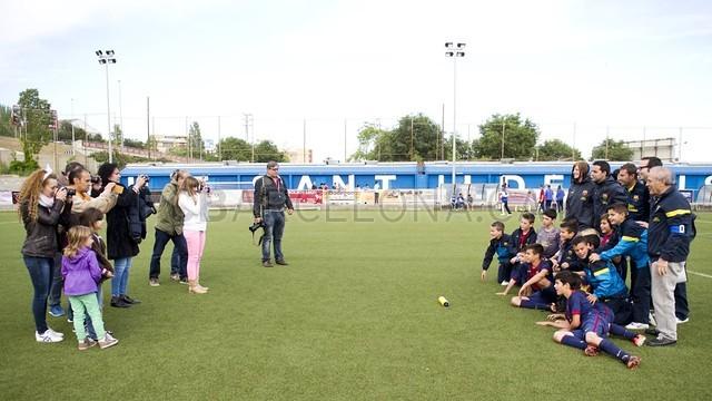 بالصور صغار برشلونة  أبطال الليغا  ( ماذا تصنع اللاماسيا )  2013-05-18_UE_SANT_ILDEFONS_ALEVIN_A_-_FCB_ALEVIN_A_007-Optimized.v1368897770