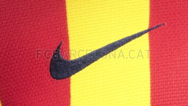 بالصور طقم قميص برشلونة  لموسم 2013-2014 Fa13_FB_ClubKits_Barca_Authentic_Away_SWOOSH-Optimized.v1369128887