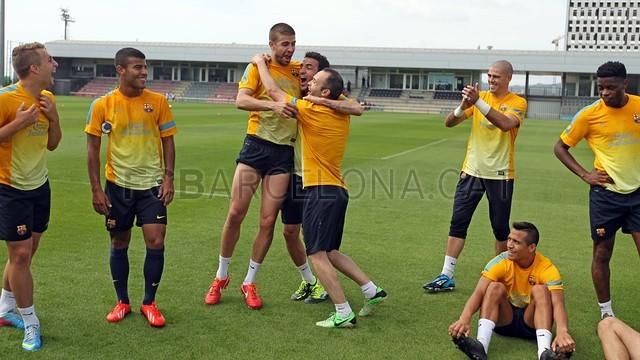 بالصور تدريبات لاعبي برشلونة 28-05-2013 2013-05-28_ENTRENO_54-Optimized.v1369744858