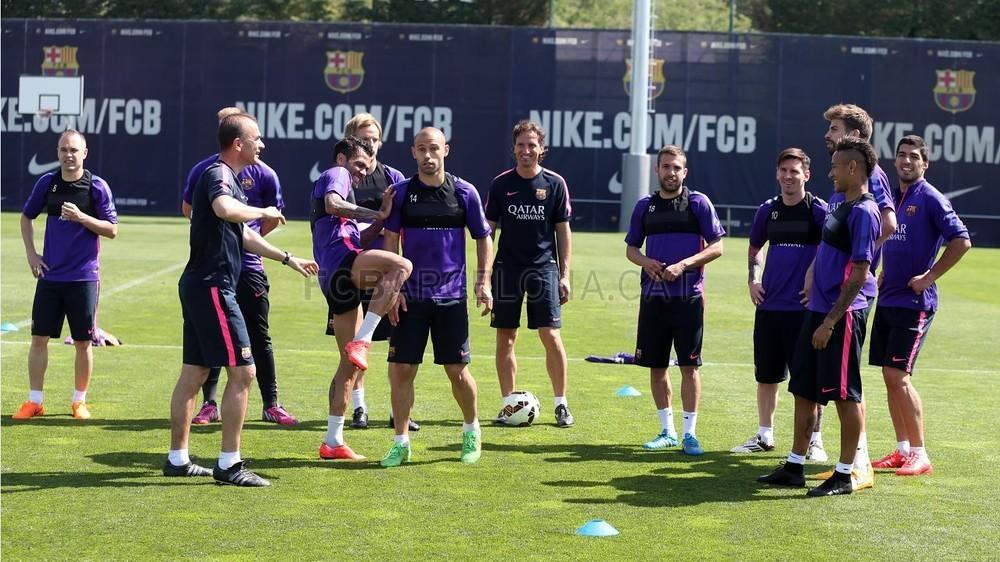 أجواء مرحة في تدريبات برشلونة غداة الفوز على البايرن Pic_2015-05-07_ENTRENO_16-Optimized.v1430998815