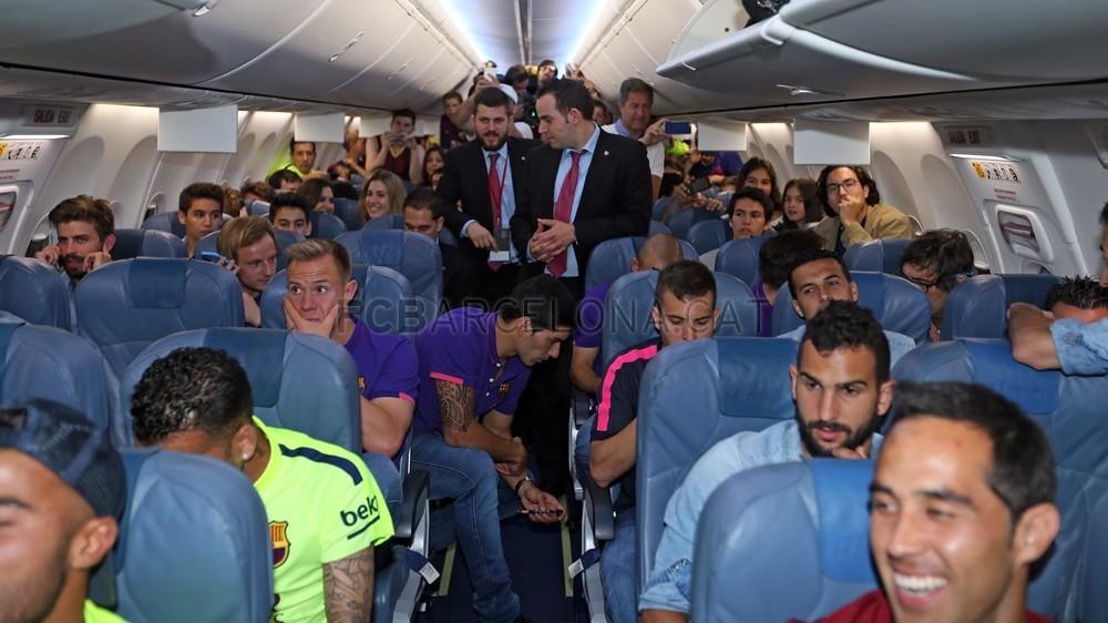 عودة ميمونة لحامل اللقب نادي برشلونة  Pic_2015-05-17_REGRESO_10-Optimized.v1431949300