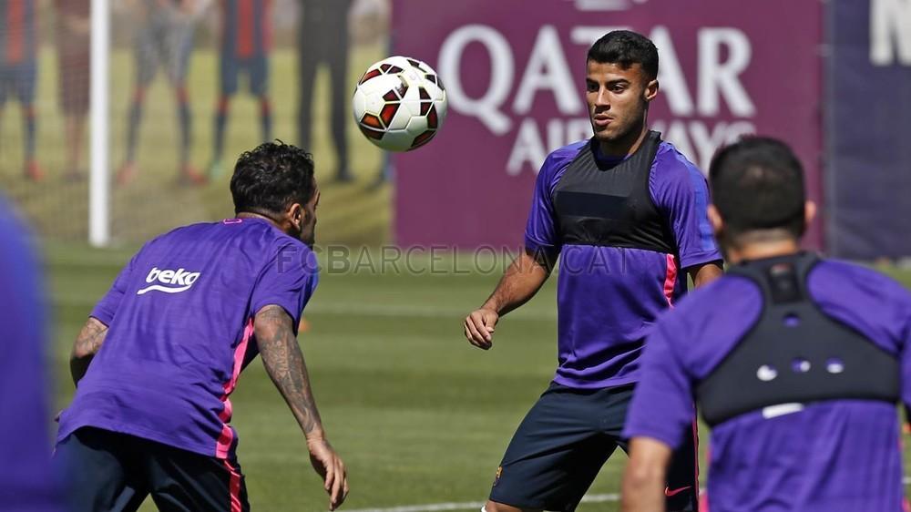 صور تدريبات برشلونة 22-05-2015  Pic_2015-05-22_ENTRENO_04-Optimized.v1432292765