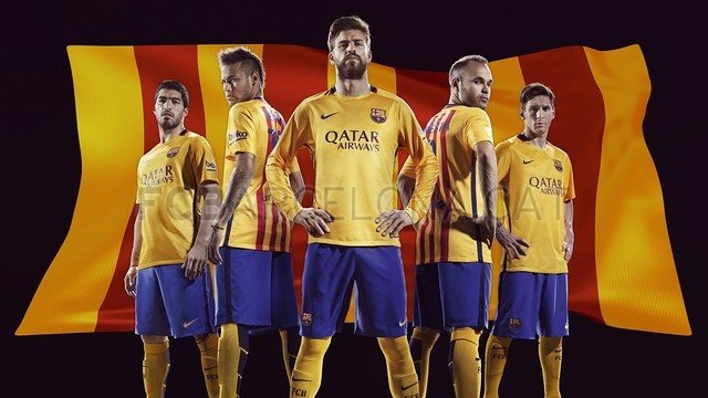 Spécial Messi et FCBarcelone (Part 2) - Page 14 FCB_FA15_KitLaunch_May2015_AWAY_MASTER_HRF1-Optimized.v1432415726