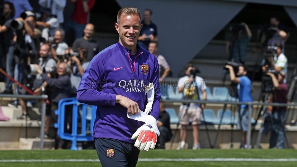 برشلونة يختتم تدريباته استعداداً لنهائي كأس الملك 2015-05-29_ENTRENO_08-Optimized.v1432897709