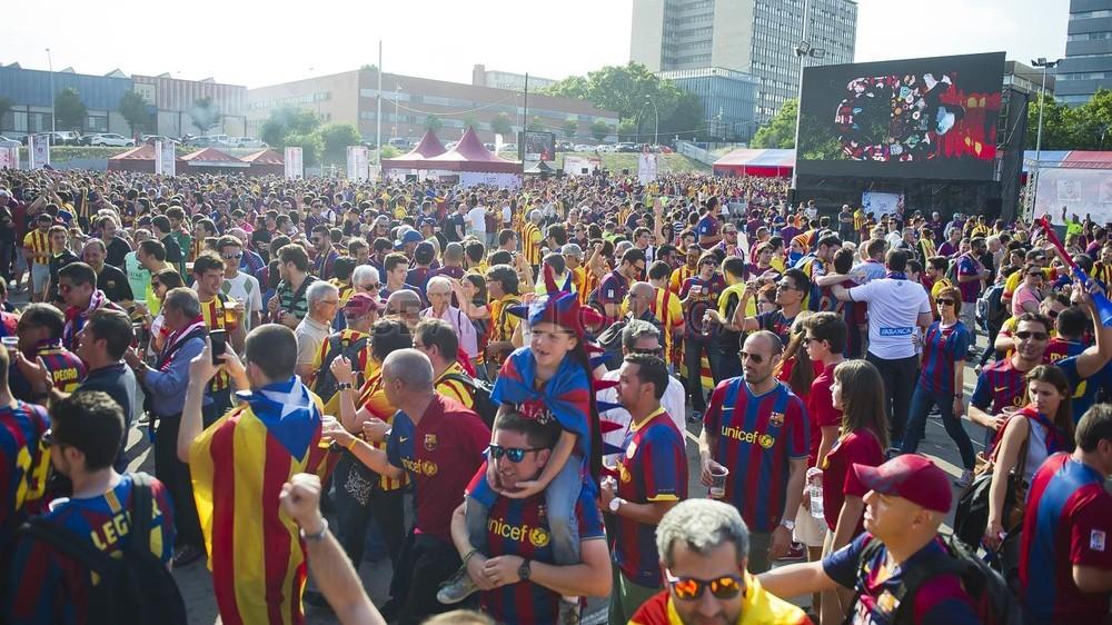 جولة في مدينة برشلونة قبل نهائي الكأس Pic_2015-05-30_FANZONE_40-Optimized.v1433007553