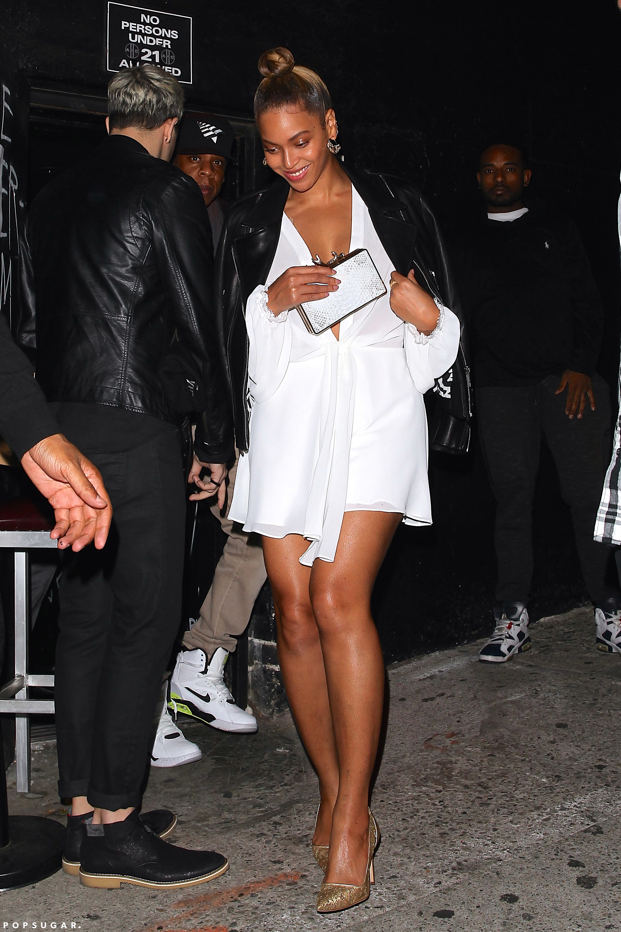 Beyoncé > Apariciones en público <Candids> [IV] - Página 2 Beyonce-Jay-Z-Out-LA-February-2016