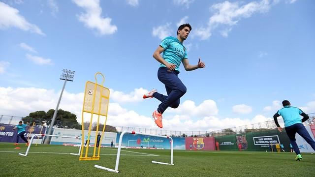 Spécial Messi et FCBarcelone - Page 39 Pic_2014-03-13_ENTRENO_38-Optimized.v1394710716.v1394711036