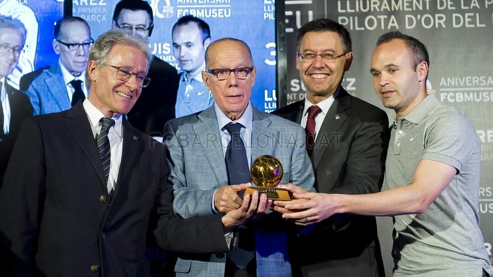 لويس سواريز الاسباني يُسلم كرته الذهبية لبرشلونة Pic_2015-04-29_PILOTAORSUAREZ_01-Optimized.v1430335886