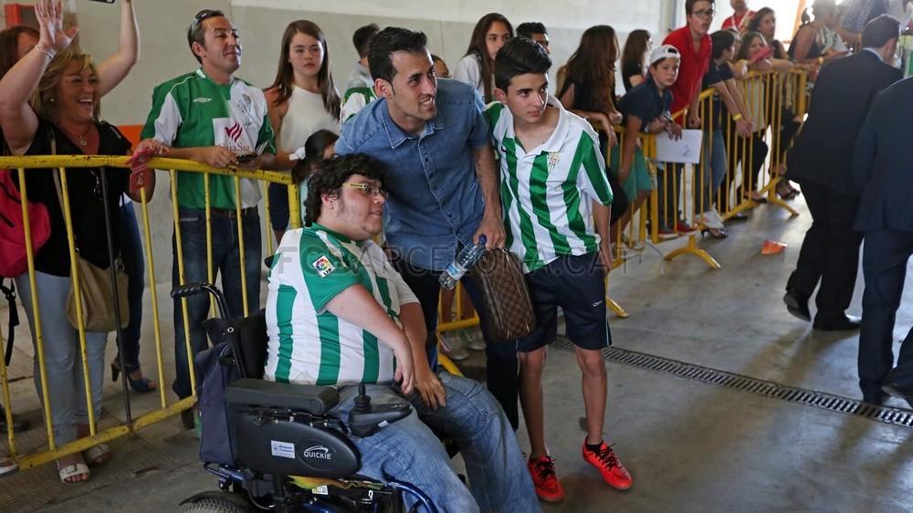 صور : مباراة قرطبة - برشلونة  0-8 ( 02-05-2015 )  2015-05-02_OTRO_CORDOBA-BARCELONA_23-Optimized.v1430667850