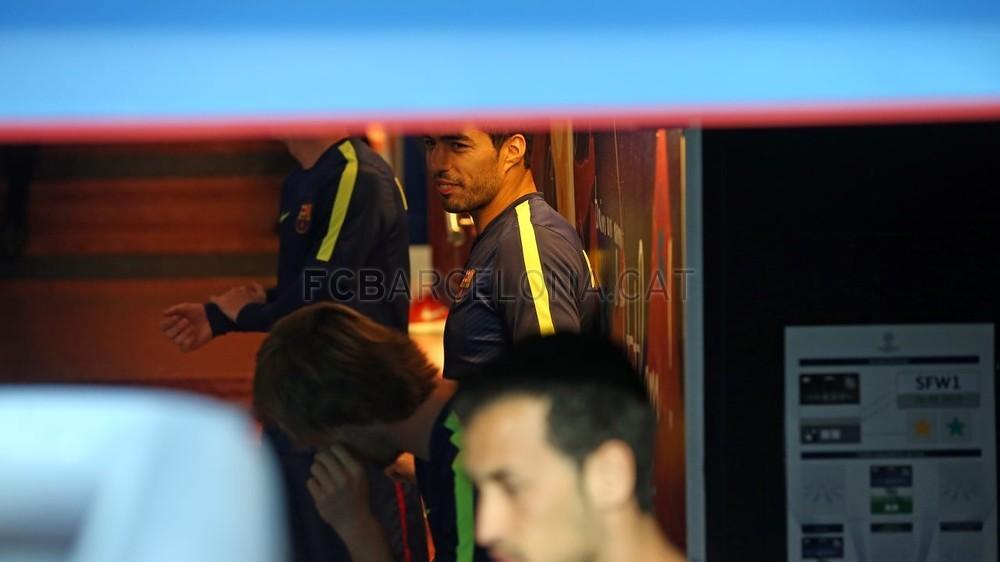 صور : مباراة برشلونة - بايرن ميونيخ  3-0 ( 06-05-2015 )  Pic_2015-05-06_OTRO_BARCELONA-BAYERN_04-Optimized.v1430999130