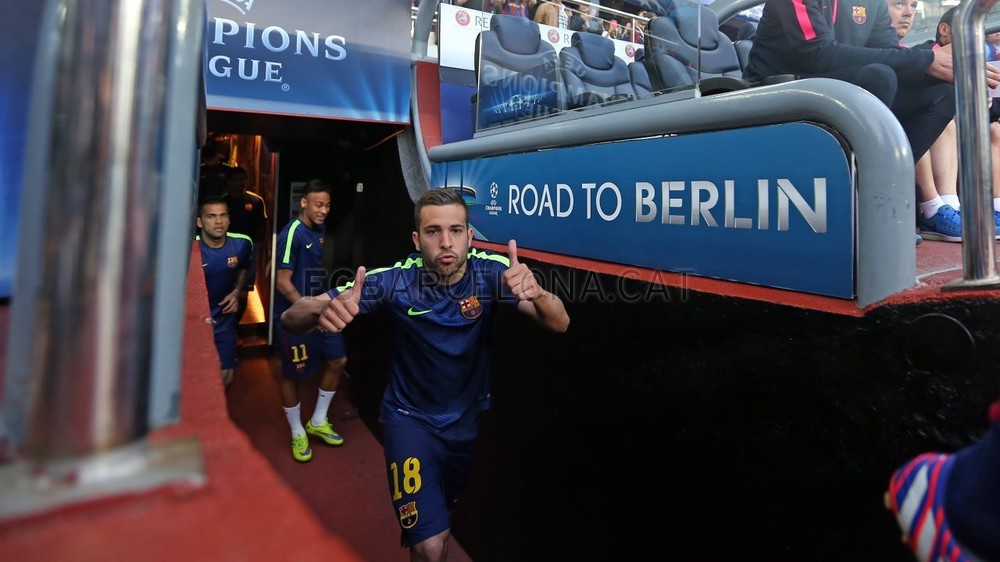 صور : مباراة برشلونة - بايرن ميونيخ  3-0 ( 06-05-2015 )  Pic_2015-05-06_OTRO_BARCELONA-BAYERN_06-Optimized.v1430999137