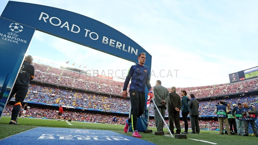 صور : مباراة برشلونة - بايرن ميونيخ  3-0 ( 06-05-2015 )  Pic_2015-05-06_OTRO_BARCELONA-BAYERN_09-Optimized.v1430999147