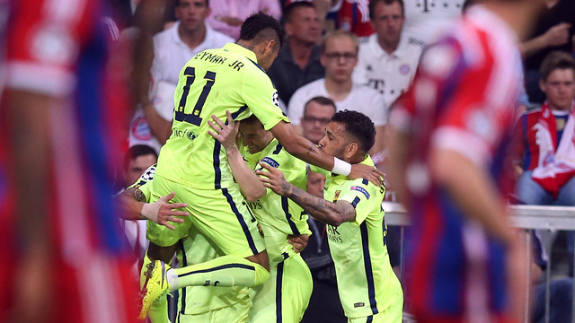 Spécial Messi et FCBarcelone (Part 2) - Page 12 2015-05-12_BAYERN-BARCELONA_07.v1431463971