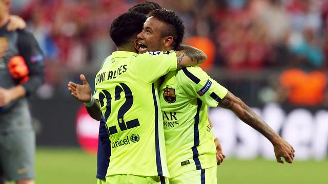 Spécial Messi et FCBarcelone (Part 2) - Page 13 2015-05-12_BAYERN-BARCELONA_55.v1431515145