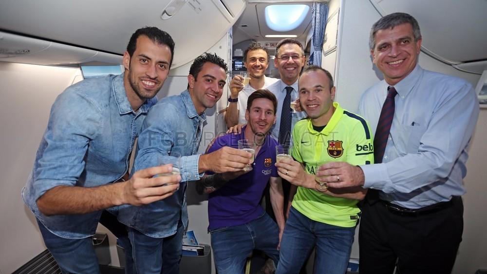 عودة ميمونة لحامل اللقب نادي برشلونة  Pic_2015-05-17_REGRESO_13-Optimized.v1431949308