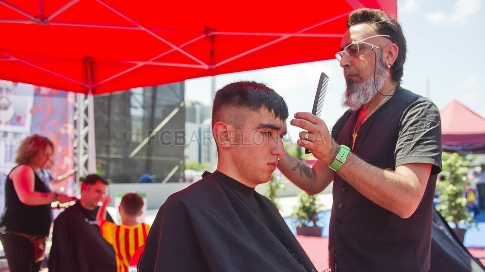 جولة في مدينة برشلونة قبل نهائي الكأس Pic_2015-05-30_FANZONE_06-Optimized.v1433007449