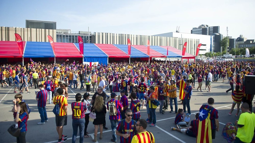 جولة في مدينة برشلونة قبل نهائي الكأس Pic_2015-05-30_FANZONE_29-Optimized.v1433007528