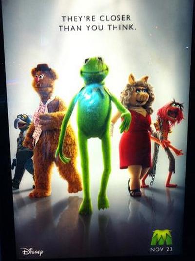 [Disney] Les Muppets, le Retour (2011) - Page 2 Muppets-walkingBadcroptiltPoster1