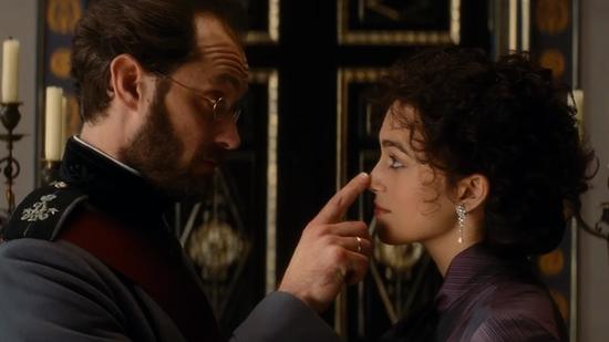 Dzud Lo ( Jude Law) Anna-Karenina-Movie-Review-Toronto-Film-Festival-Video