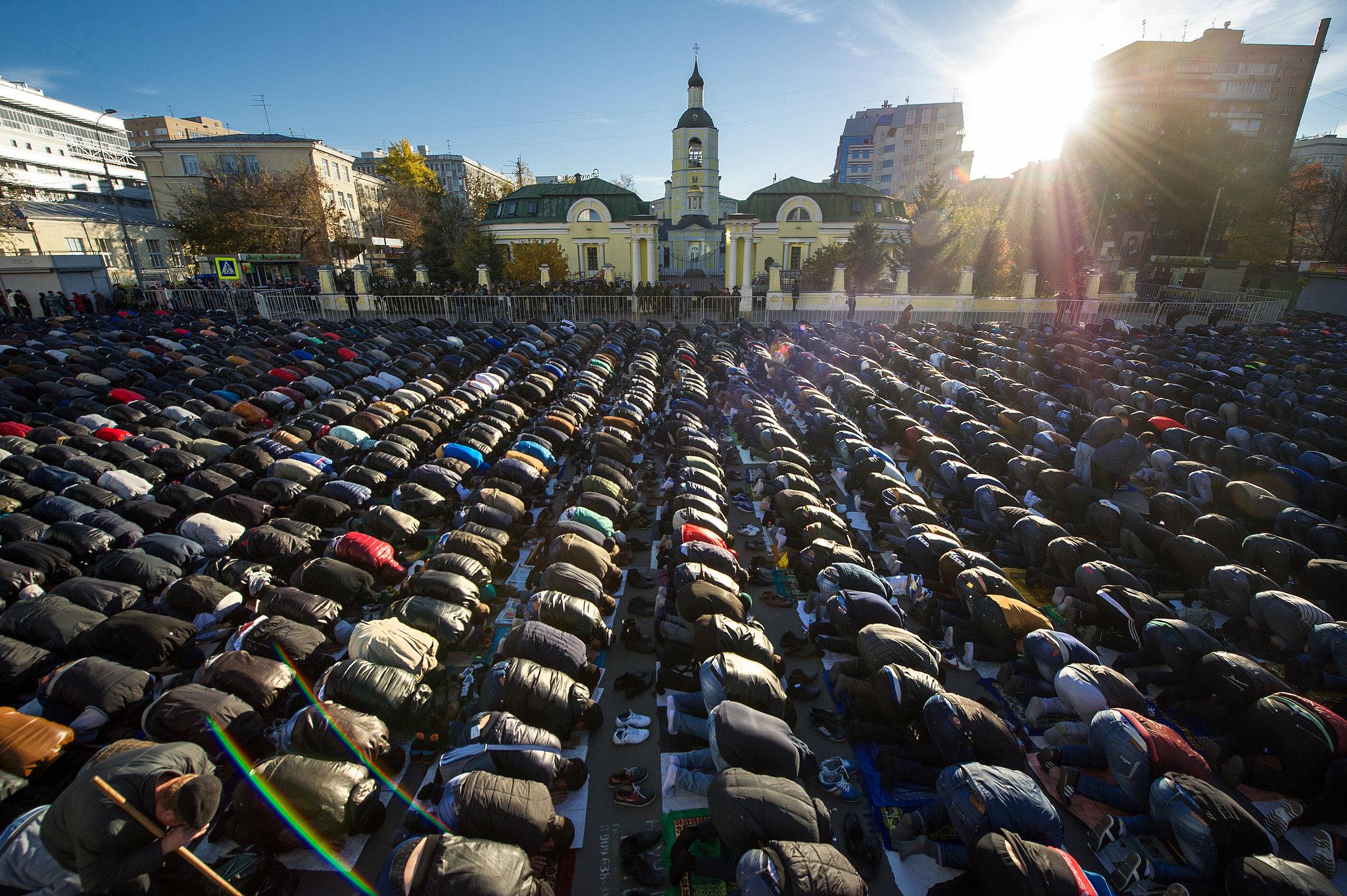 Komentari na vesti Moscow-Muslims-prayed-together-first-day-Eid-al-Adha