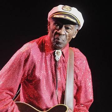 RIP Chuck Berry 161018-chuck-berry-mbe-807p_cf717b08abb3c6ac03df477901fde730.nbcnews-fp-360-360