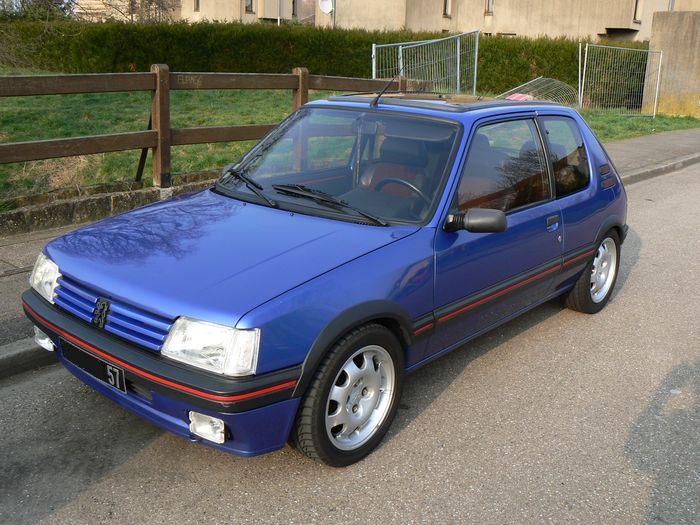 [olivpostman] 205 GTI 1.9L Bleu miami 1992 205002