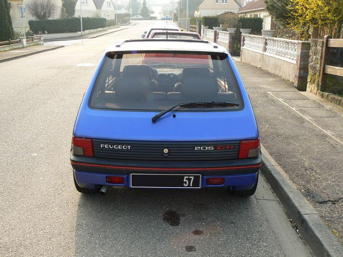 [olivpostman] 205 GTI 1.9L Bleu miami 1992 205005