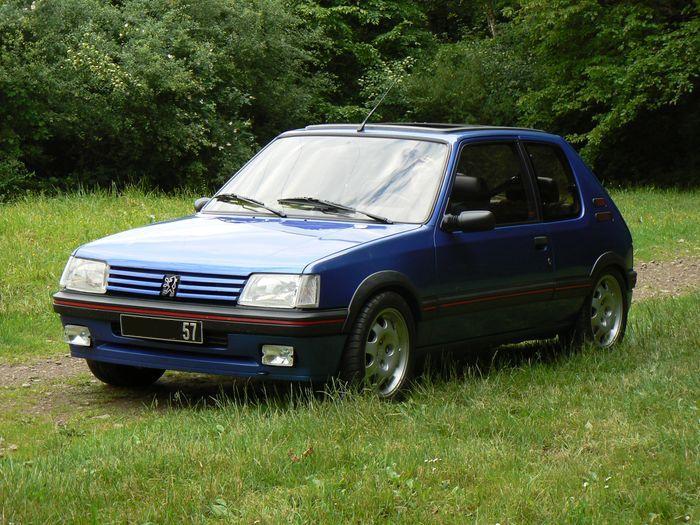 [olivpostman] 205 GTI 1.9L Bleu miami 1992 Miami031
