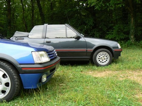 [olivpostman] 205 GTI 1.9L Bleu miami 1992 Lesdeux3