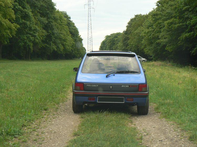 [olivpostman] 205 GTI 1.9L Bleu miami 1992 Mamiami1