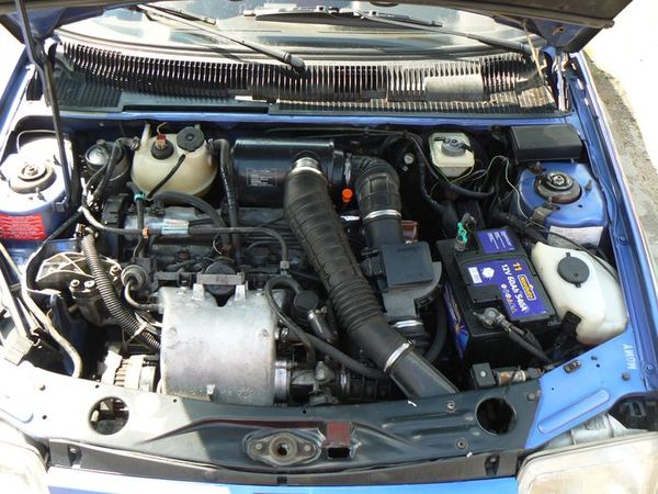[olivpostman] 205 GTI 1.9L Bleu miami 1992 Miami014