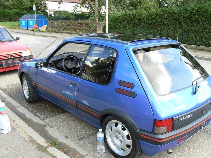 [olivpostman] 205 GTI 1.9L Bleu miami 1992 Miami018