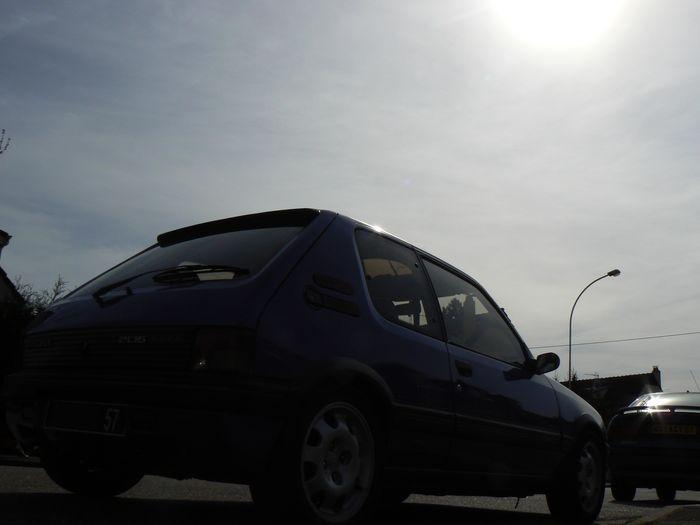 [olivpostman] 205 GTI 1.9L Bleu miami 1992 Photo05042007011
