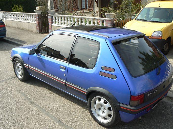 [olivpostman] 205 GTI 1.9L Bleu miami 1992 Photo05042007017