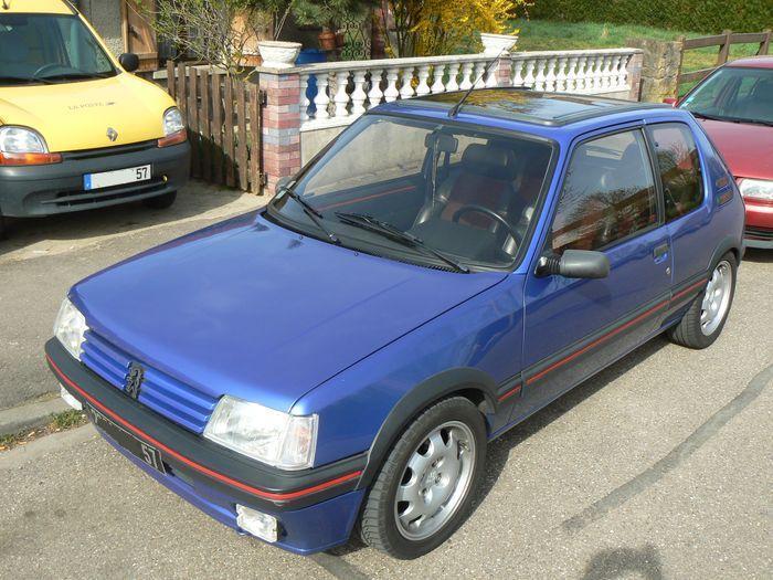 [olivpostman] 205 GTI 1.9L Bleu miami 1992 Photo05042007018