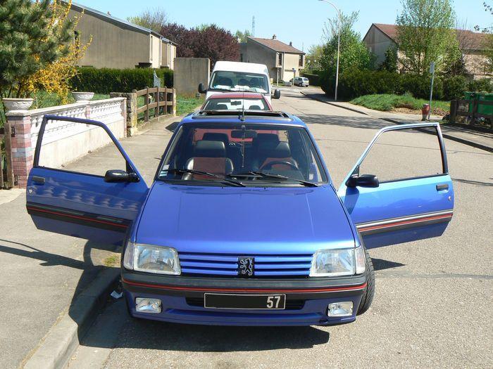 [olivpostman] 205 GTI 1.9L Bleu miami 1992 Photo15042007063