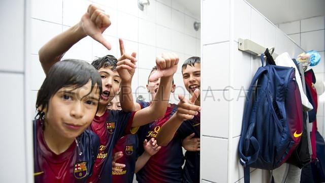 بالصور صغار برشلونة  أبطال الليغا  ( ماذا تصنع اللاماسيا )  2013-05-18_UE_SANT_ILDEFONS_ALEVIN_A_-_FCB_ALEVIN_A_017-Optimized.v1368897802