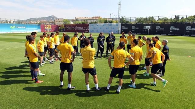 بالصور تدريبات لاعبي برشلونة 28-05-2013 2013-05-28_ENTRENO_01-Optimized.v1369744750