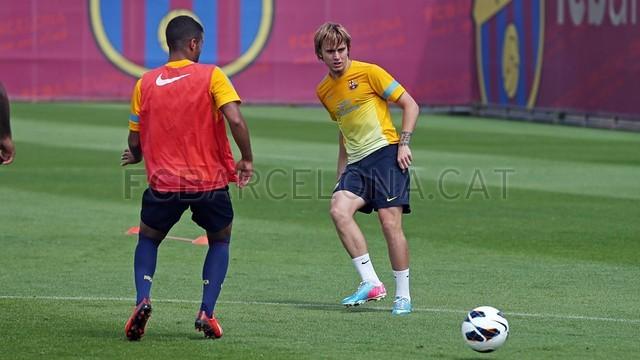 بالصور تدريبات لاعبي برشلونة 28-05-2013 2013-05-28_ENTRENO_64-Optimized.v1369748046