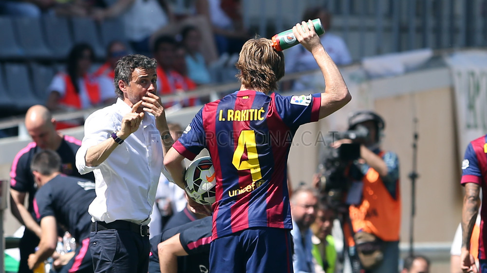 صور : مباراة قرطبة - برشلونة  0-8 ( 02-05-2015 )  2015-05-02_CORDOBA-BARCELONA_06.v1430584741