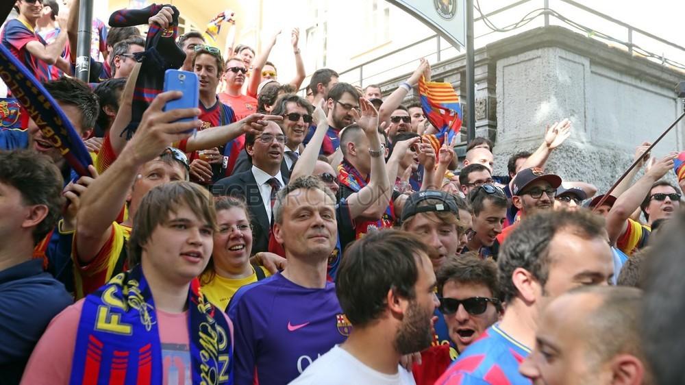 جماهير برشلونة في مدينة ميونيخ الألمانية  Pic_2015-05-12_PENYES_MUNICH_16-Optimized.v1431445347