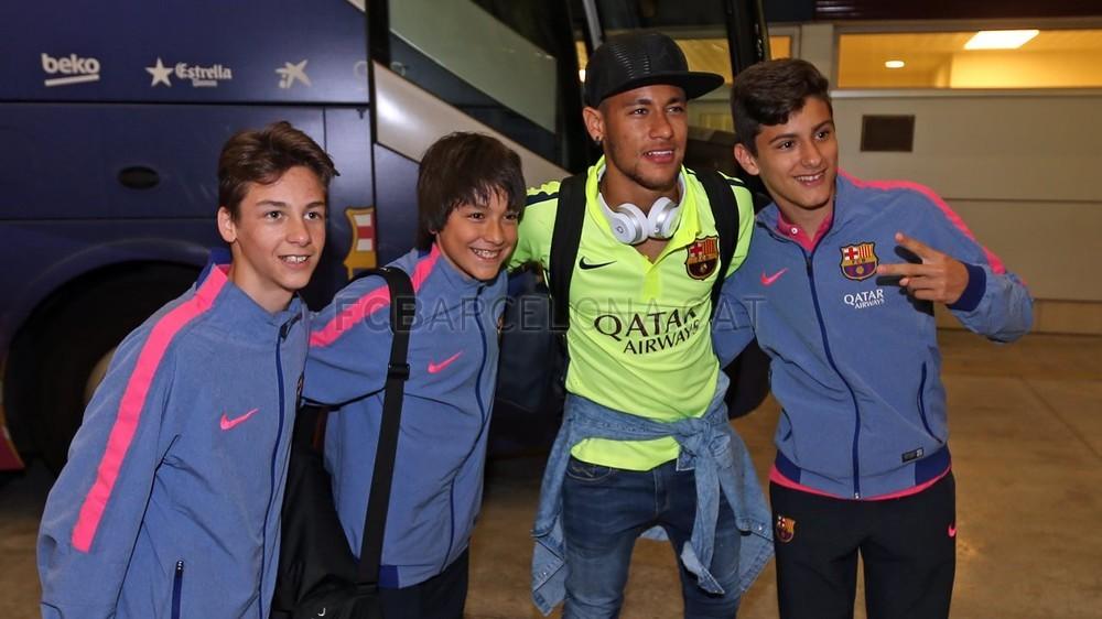 عودة ميمونة لحامل اللقب نادي برشلونة  Pic_2015-05-17_REGRESO_40-Optimized.v1431949371