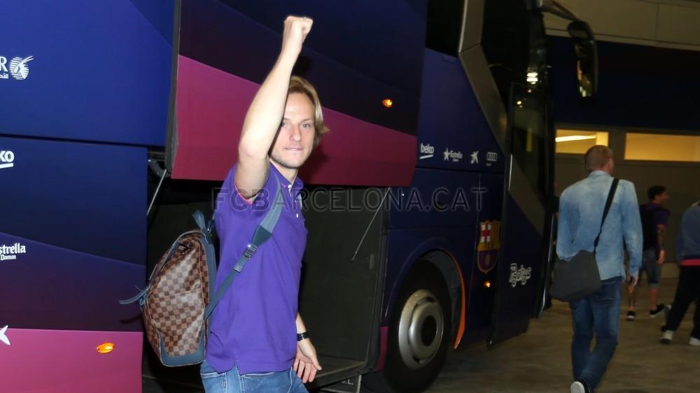 عودة ميمونة لحامل اللقب نادي برشلونة  Pic_2015-05-17_REGRESO_38-Optimized.v1431949363